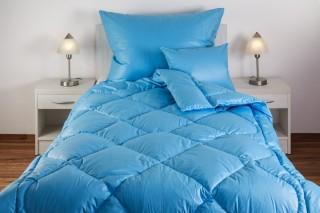 Přikrývka (deka) prošívaná péřová - PRACHOVÉ peří - modrá