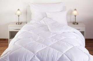 Přikrývka (deka) umělé duté vlákno dvouvrstvá (teplejší) - 2400 g - bílá