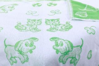 Dětská froté osuška maxi 100 x 100 cm - světle zelený pes/kotě