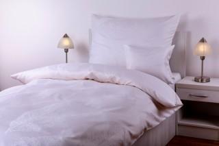 Luxusní damaškové povlečení - krajkové listy bílé