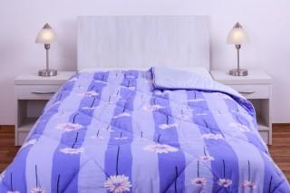 Prošívaná deka (přikrývka) umělé duté vlákno, 135x200cm vzor fialová kopretina